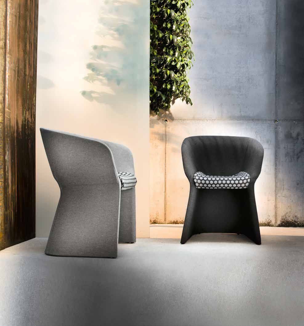 It Is Possible To Choose Between Numerous Versions Of This Versatile, Eclectic  Armchair, Which Combines A Contemporary Image With Maximum Comfort.